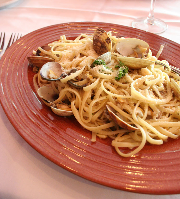Clam linguini at Da Gino Ristorane Italia