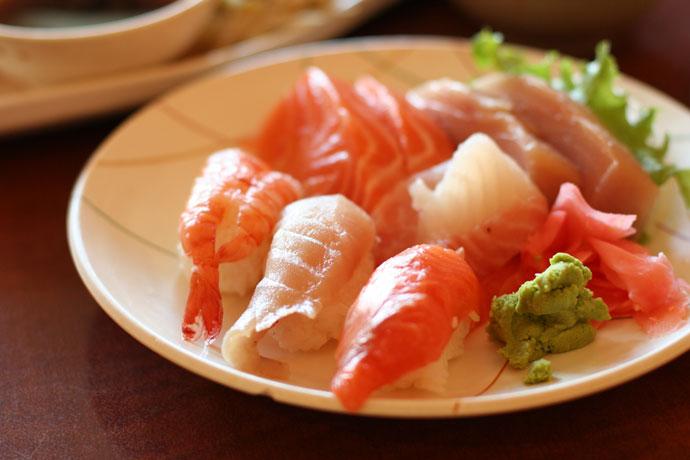 Nigiri Sushi and sashimi, part of the Combo C at Samurai Japanese Restaurant.