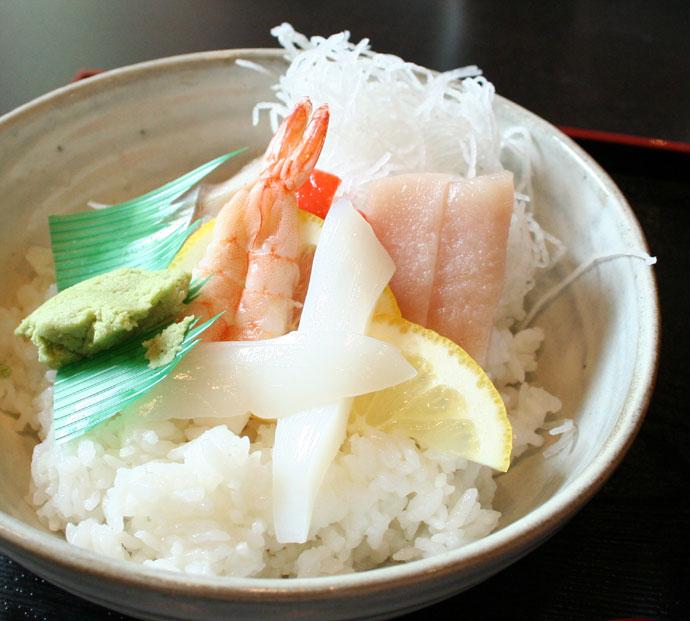 Chirashi Don Japanese sushi