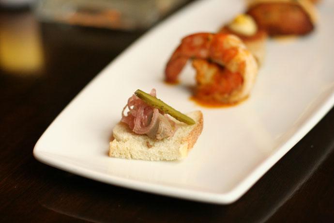 Pate au Foie Gras de Canard - Duck liver pate with pickled red torpedo onions