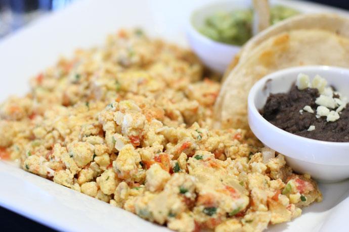 Mexican scrambled eggs (Huevos a la Mexicana)