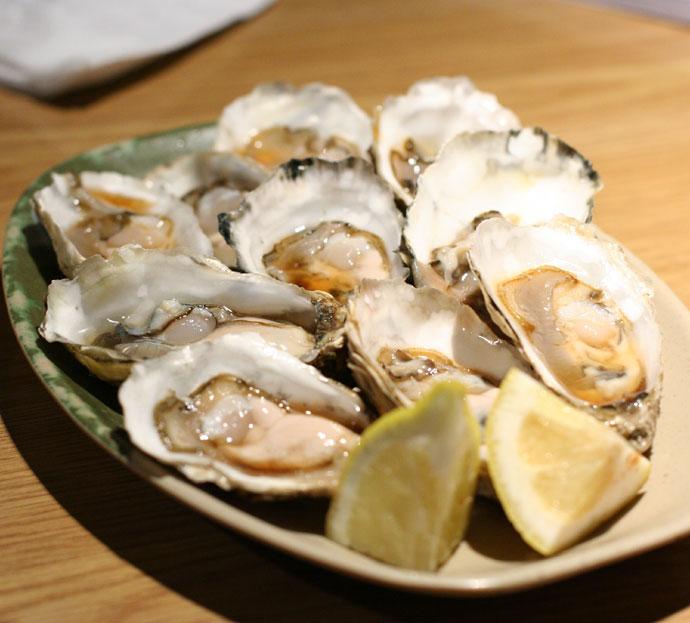 Delicious Raw Oysters (kaki pon)