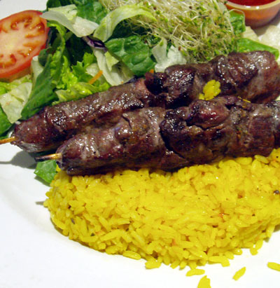 Beef skewers and rice