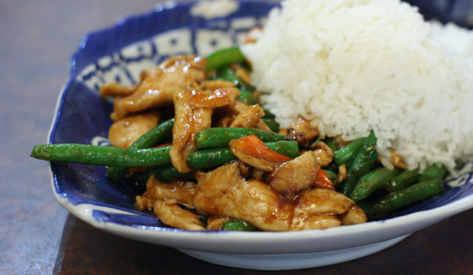 Spicy Thai chicken with green beans